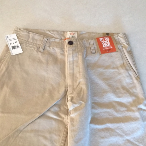 NWT 36 X 30 DOCKER FLAT FRONT D2 OFF THE CLOCK STRAIGHT FIT KHAKIS RED